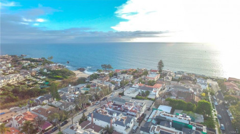 IN ESCROW! 301 Poppy Av, Corona del Mar 92625