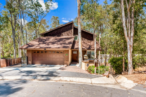 JUST LISTED! 22385 Woodgrove Rd, Lake Forest